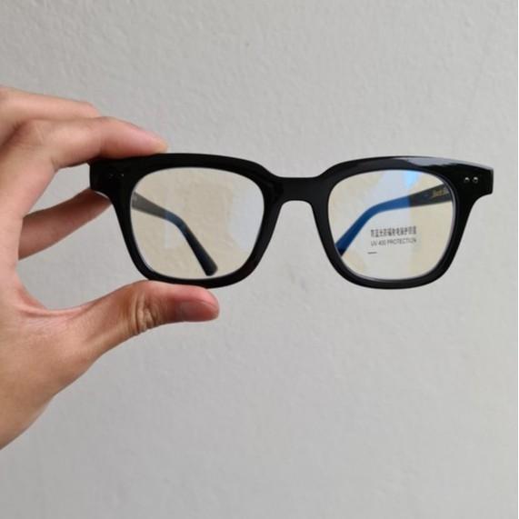 Kính mắt thời trang chữ V – Gọng kính thời trang cận loạn chữ V khắc fulll chữ Unisex – V01 – Màu đen