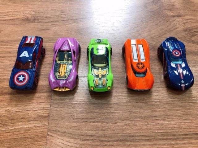 Set ô tô sắt siêu anh hùng
