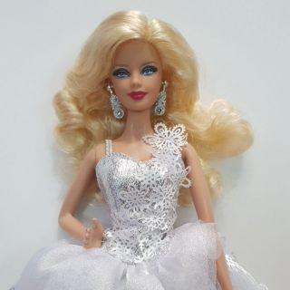 Búp bê Barbie holiday mới khui hộp ko kèm giày