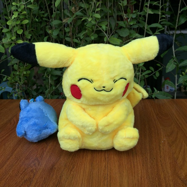 Túi gấu bông hình Pikachu trong pokemon