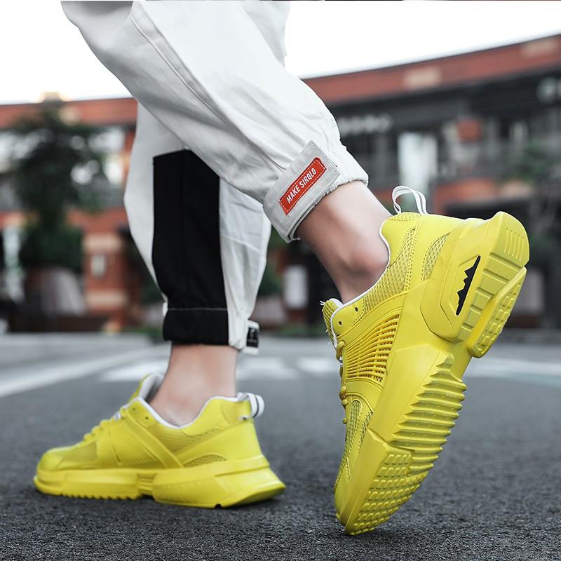 【จัดส่งฟรี】องกลวงตาข่ายรองเท้ากีฬาลำลองสำหรับบุรุษฤดูใบไม้ร่วงรองเท้าตาข่ายผู้ชาย