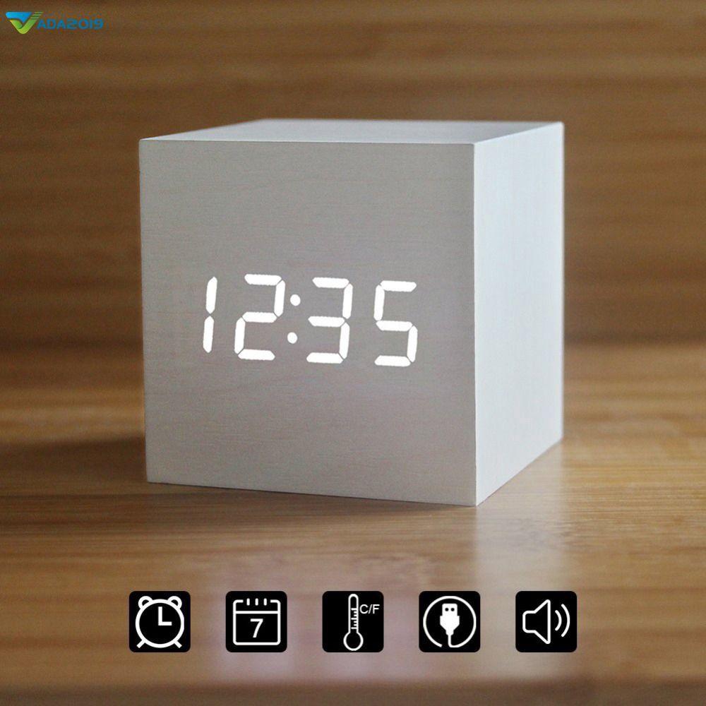 Đồng hồ báo thức để bàn điện tử bằng gỗ có đèn LED nhiều màu