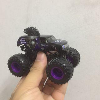 Xe ô tô đồ chơi Monster jam( loại nhỏ)