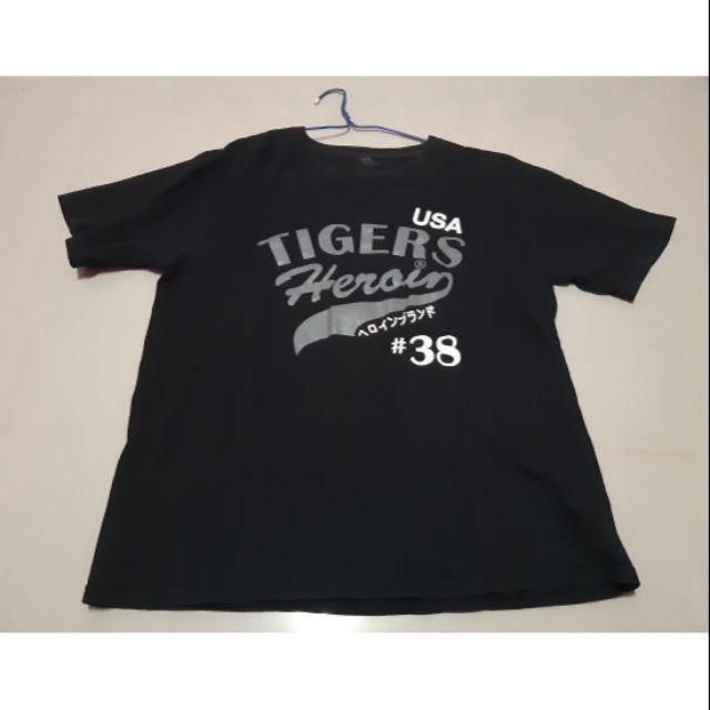 เสื้อยืดสีดำ Size XL