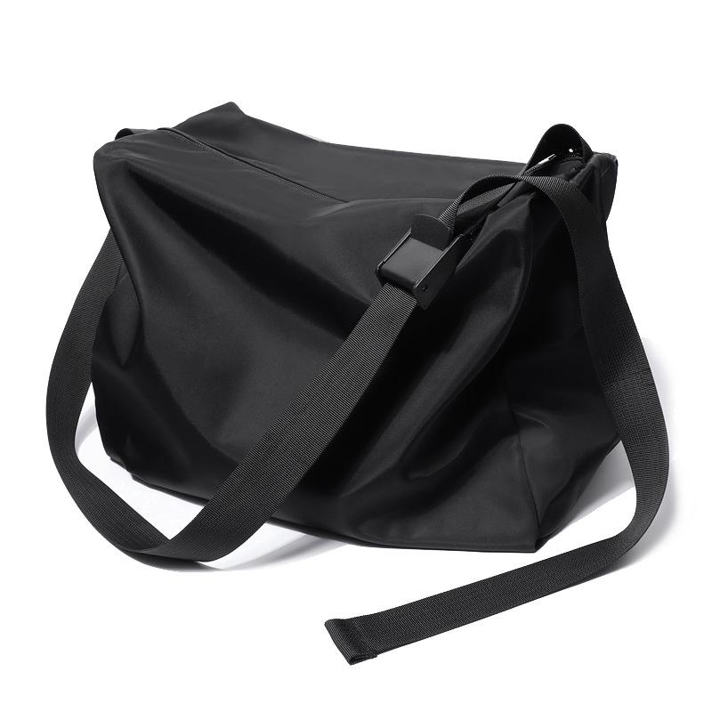 Túi thể thao đeo chéo cỡ lớn chống thấm nước kiểu dáng thời trang cho nam