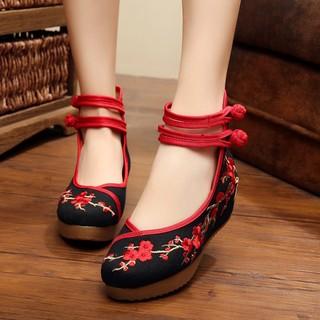 Giày vải thêu cổ trang giày búp bê gót xuồng 5cm thumbnail