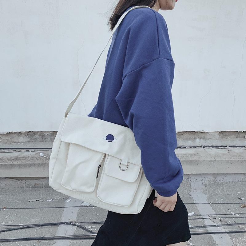 Túi đeo vai đi shopping màu trắng cỡ lớn thời
