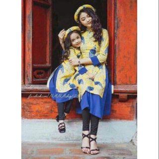 Set áo dài gấm cách tân 2 tà mẹ và bé