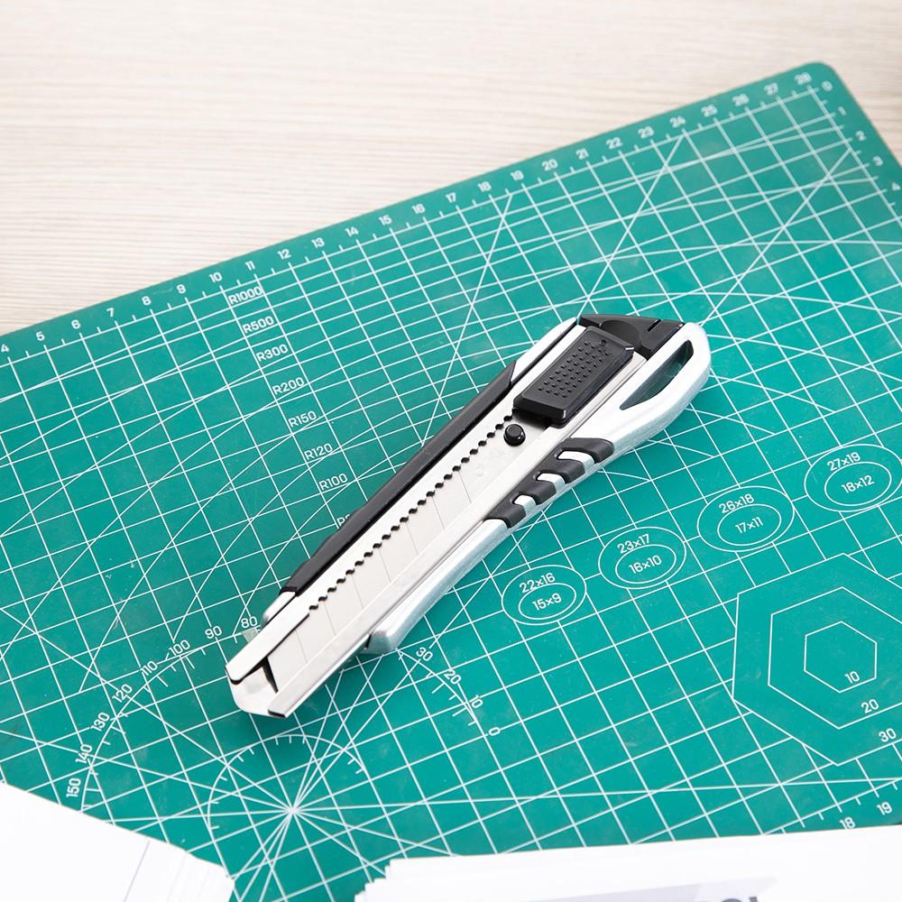 Dao rọc giấy cỡ lớn kim loại siêu bền Deli
