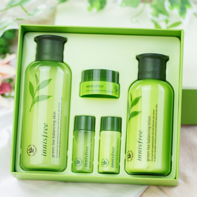 Bộ dưỡng trà xanh Innisfree Green Tea Balancing Special Skin Care Set full size - 9994442 , 266194313 , 322_266194313 , 2300000 , Bo-duong-tra-xanh-Innisfree-Green-Tea-Balancing-Special-Skin-Care-Set-full-size-322_266194313 , shopee.vn , Bộ dưỡng trà xanh Innisfree Green Tea Balancing Special Skin Care Set full size