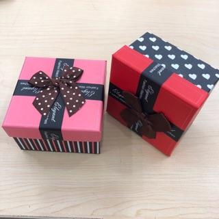 Hộp nơ đựng đồng hồ làm quà tặng cực xinh thumbnail