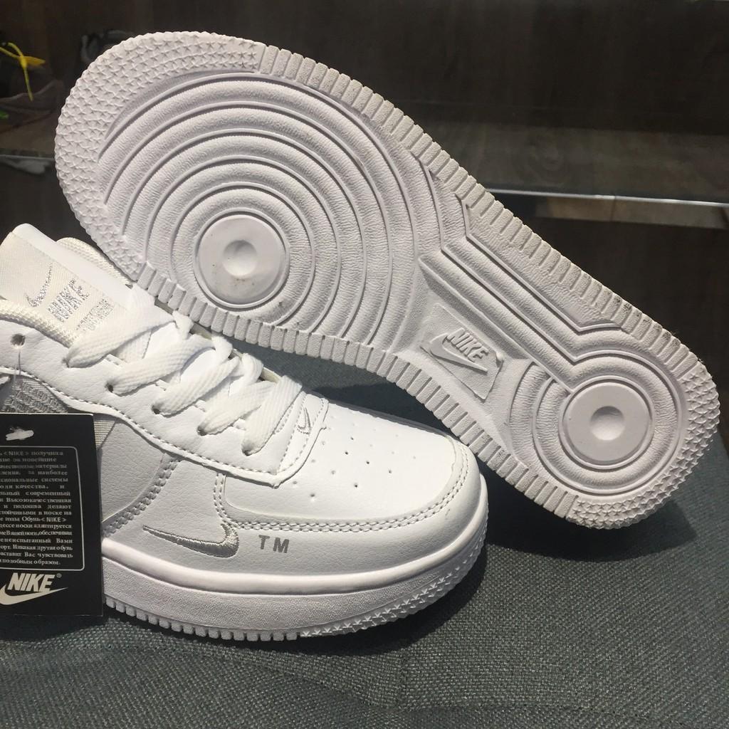 mua Nike AIR FORCE 1 LV8 UTILITY AJ7747 100 chính hãng ở