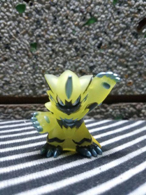 Mô hình pokemon_kid zeraora clear