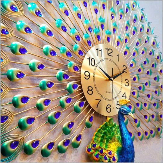 Kết quả hình ảnh cho Đồng hồ treo tường Decor hình chim công kích thước 70x75cm GV6689