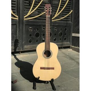 đàn guitar cổ điển