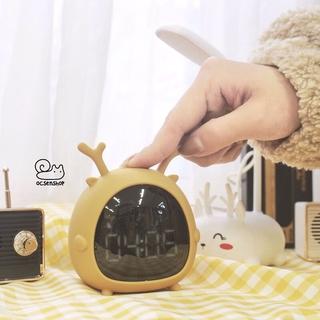 Đồng hồ để bàn viền silicon tai động vật