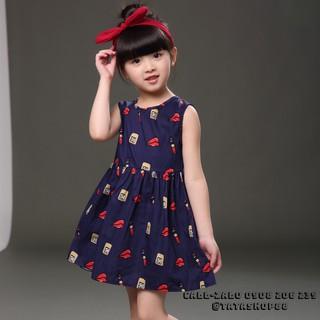 Đầm bé gái dễ thương họa tiết son môi
