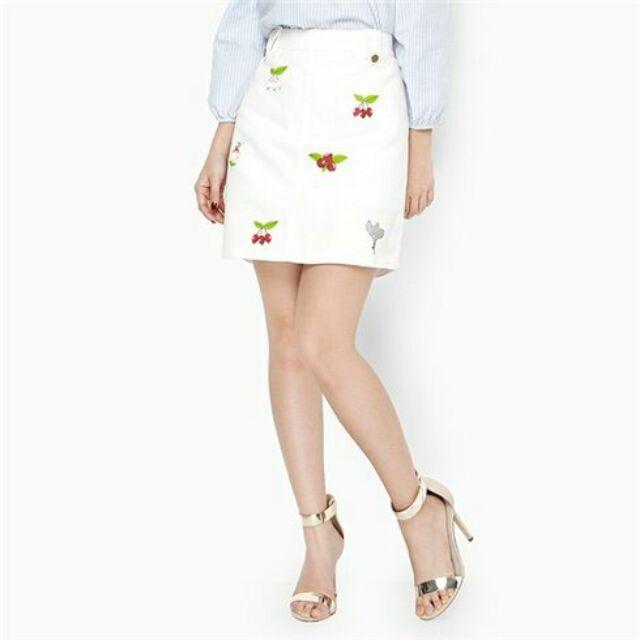 Chân váy họa tiết