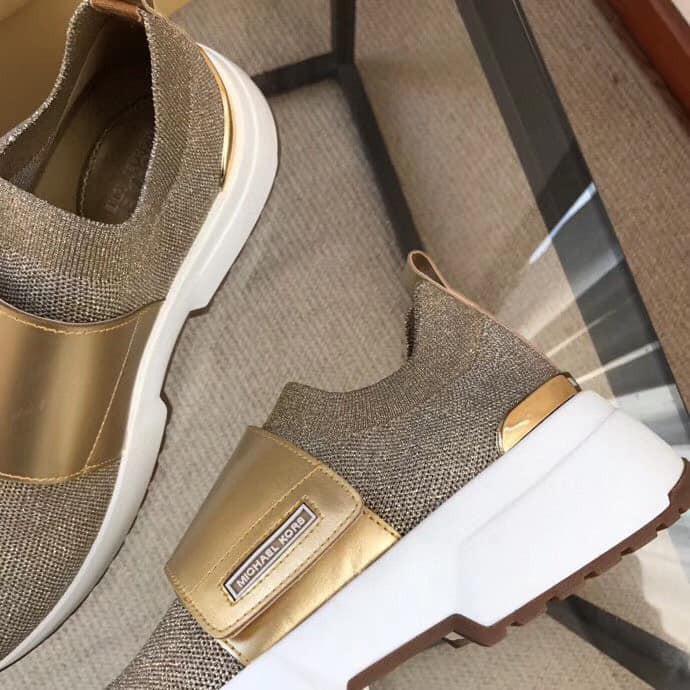 Giày Slipon đế bằng nữ MK khuy dán liệu  vải canvas 1463 (Form to lệch 1 size)