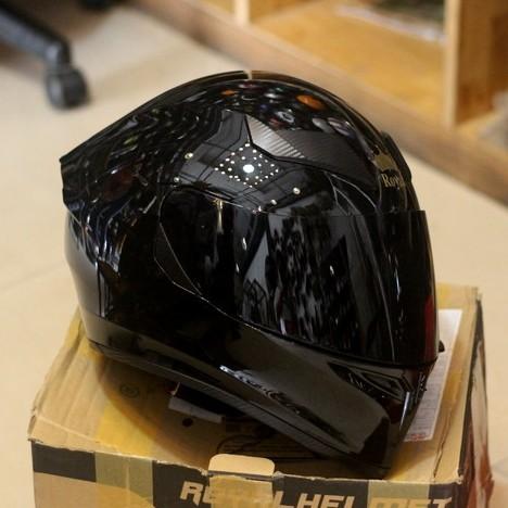 Mũ bảo hiểm ROYAL M138B 1 Kính màu Đen Bóng ( túi đựng nón và hộp )