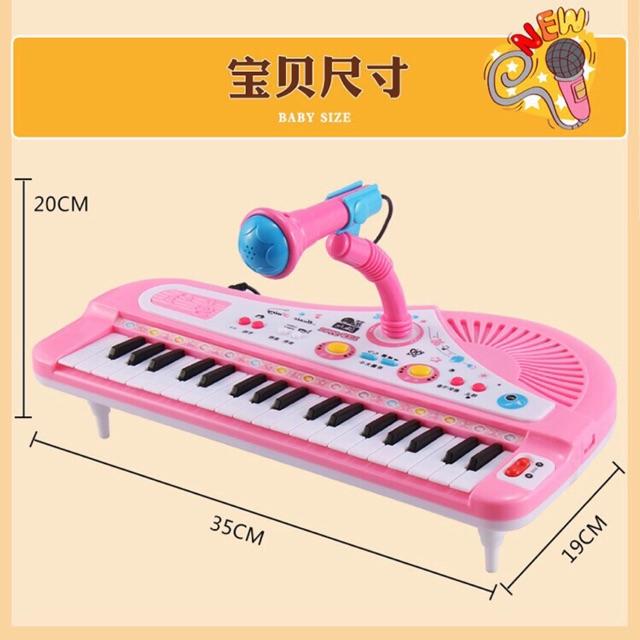 Đàn piano có micro
