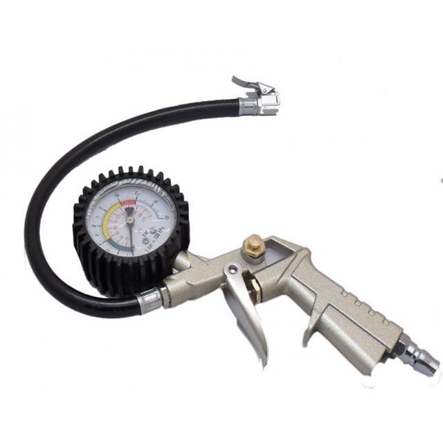 Đầu bơm hơi có đồng hồ đo áp suất