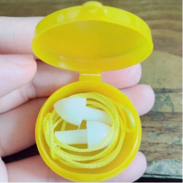 Nút tai chống ồn 1 tầng hộp nhựa vàng