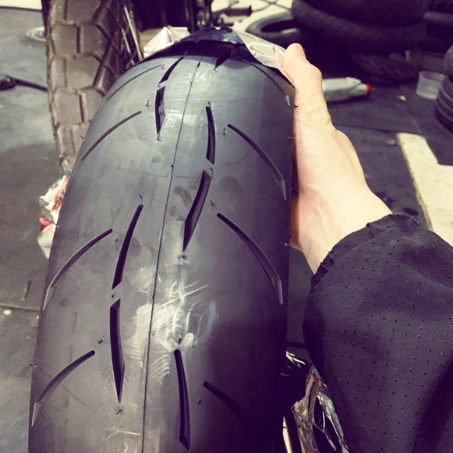 Lốp xe máy Goodride