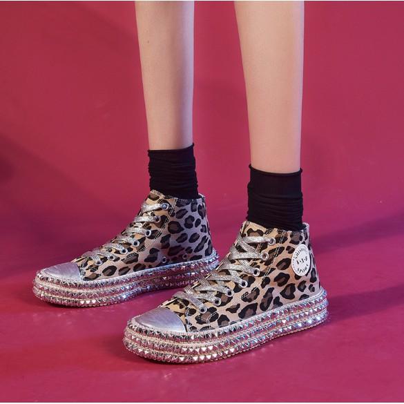 Minibag 😍 รองเท้าผู้หญิง รองเท้าผ้าใบ แบบหุ้มข้อ กับแบบธรรมดา ปักหมุดรอบส้น