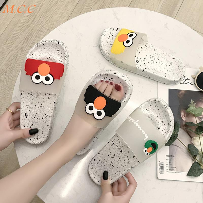 Net red slippers female 2019 new summer home bathroom sandals and slippers women fashion wear cartoon cute beach shoes