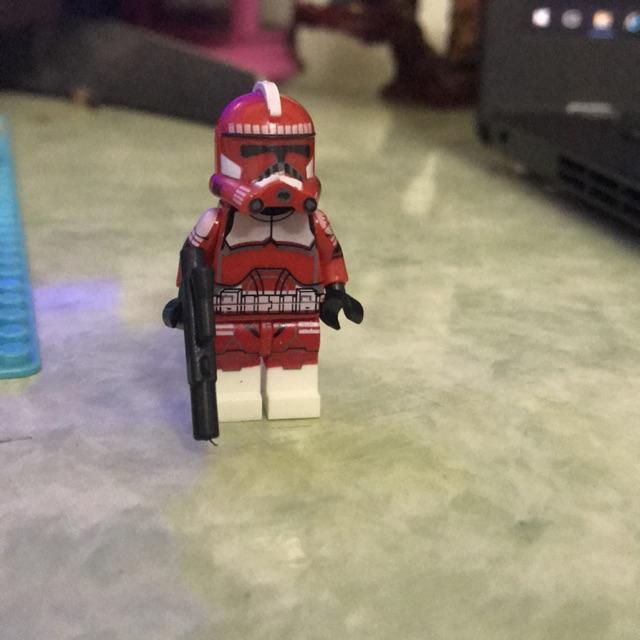 Minifigure nhân vật Commander Fox