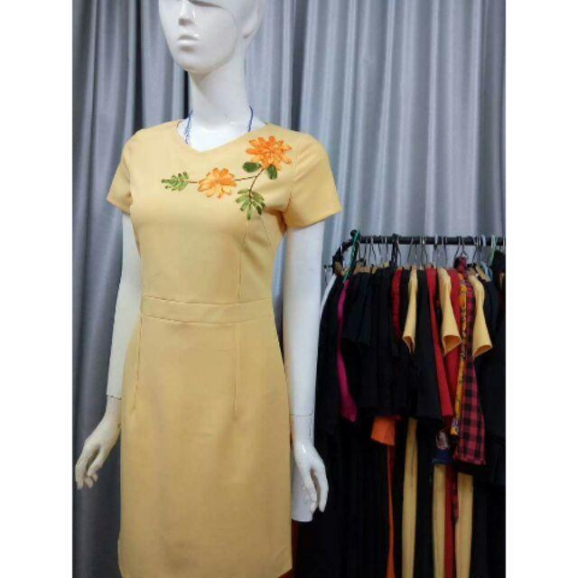 1847372591 - Đầm hoa và đầm caro