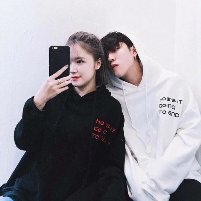 Áo hoodie đen - trắng in chữ