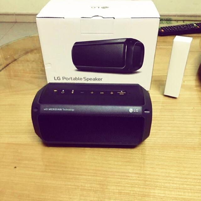 Loa Bluetooth PK3 kháng nước LG ( hàng KM)