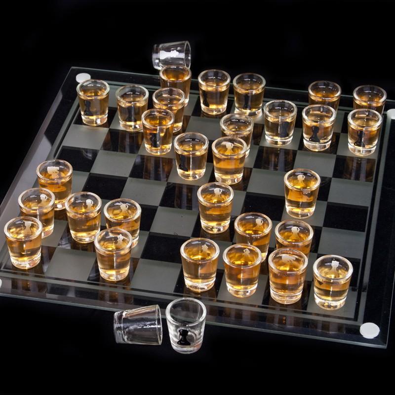Bàn cờ vua uống rượu
