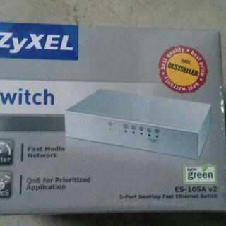 Switch zyxel es-105a v2 thumbnail