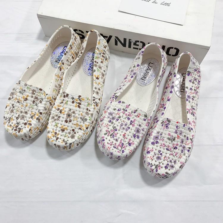 [Mã WASKT410K giảm 10K đơn 50K] Giày nhựa đi mưa, đi biển - Chất liệu siêu nhẹ - họa tiết hoa -có 3 màu