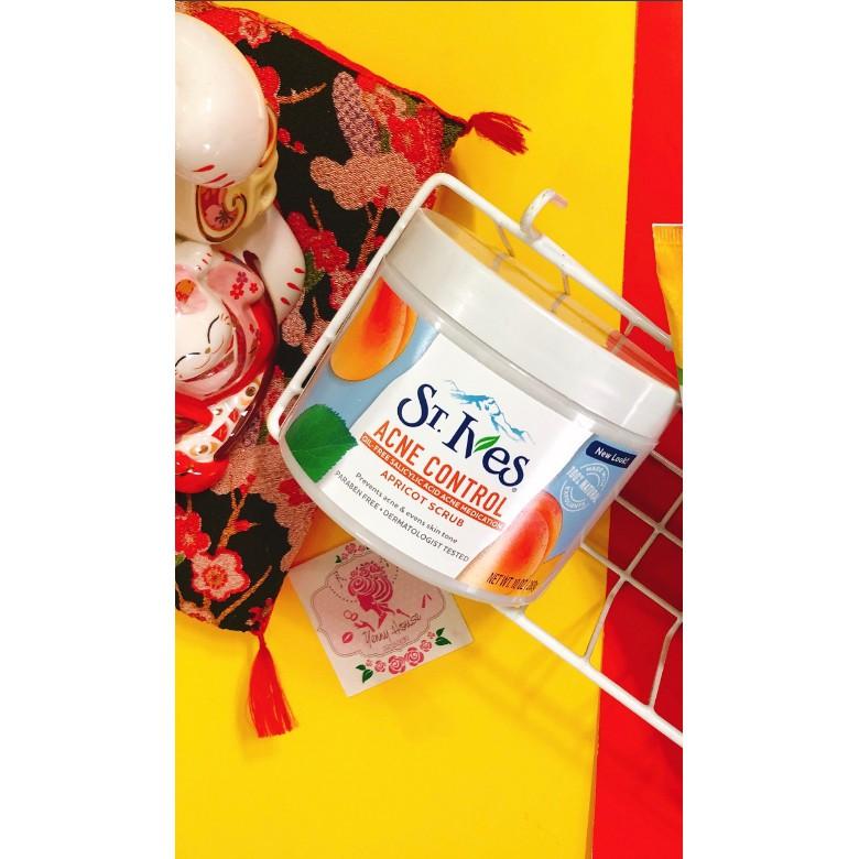 Tẩy da chết St.Ives Blemish Control Apricot Scrub