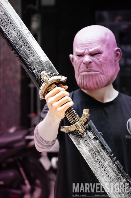Mô hình đao Thanos cosplay