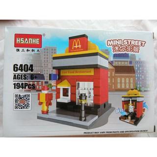 Bộ lắp ghép mô hình của hàng ăn nhanh trên phố
