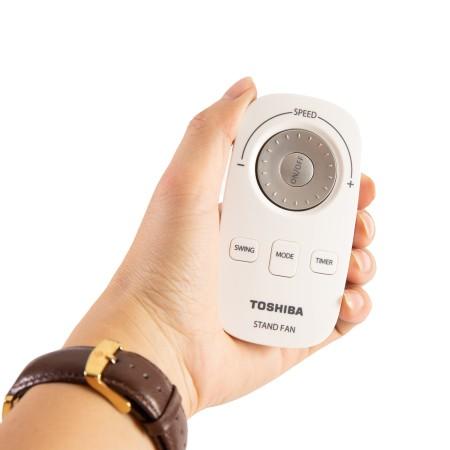 [Mã ELHA1010 Giảm 7% Tối Đa 300k] Quạt đứng Toshiba F-LSD10(W)VN có Remote