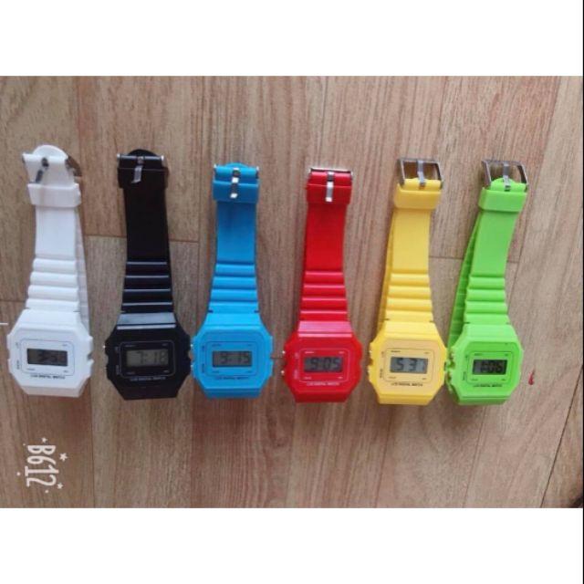 Đồng hồ điện tử Unisex Nhật dây nhựa