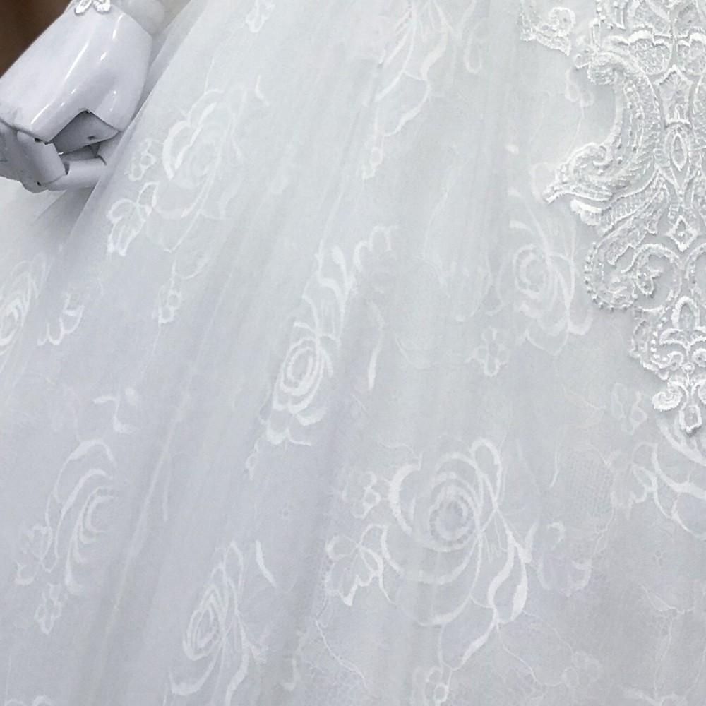 áo cưới dòng luxury kiểu tùng búp bê đuôi lê màu trắng