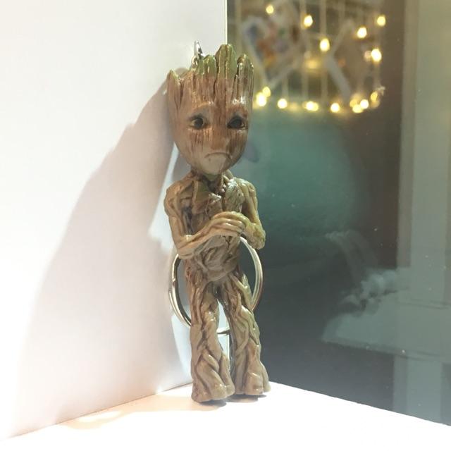 Móc khoá Groot chắp tay