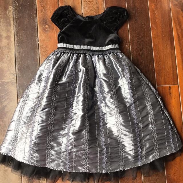 Váy nhung đen Jona Mitchelle cho bé 4