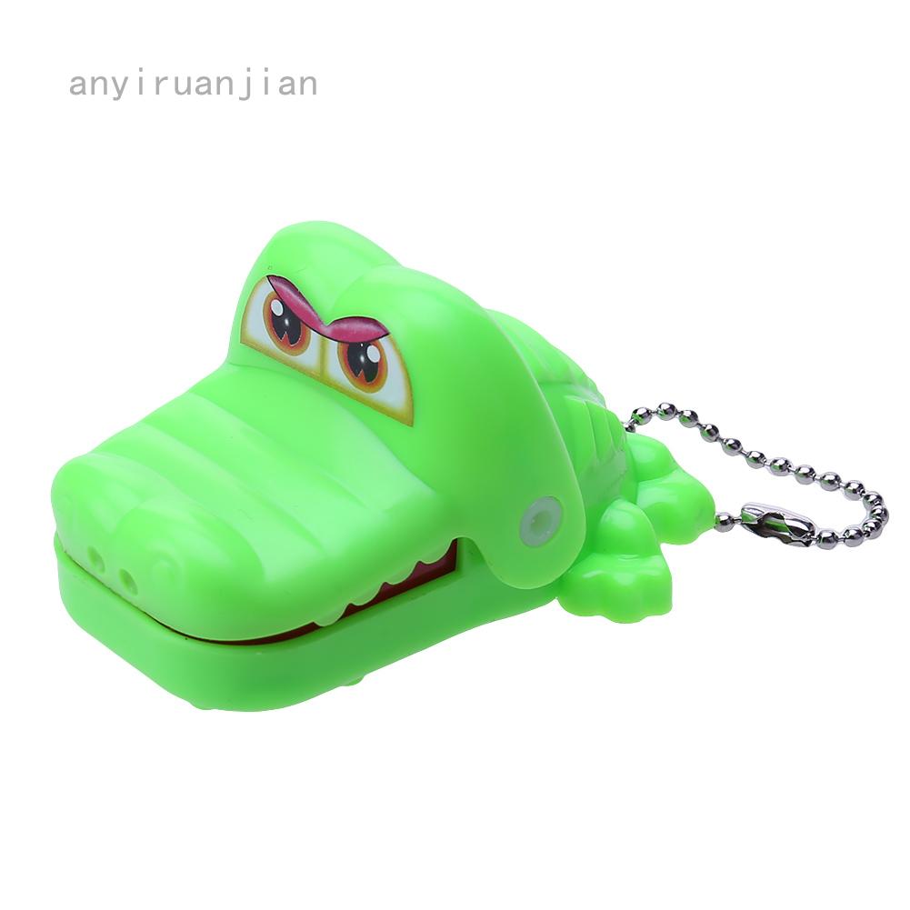 Đồ chơi hàm cá sấu cắn ngộ nghĩnh cho bé