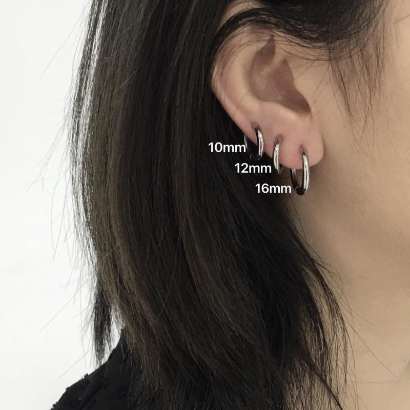Khuyên tai bằng thép không gỉ titan thiết kế tròn đơn giản phong cách retro