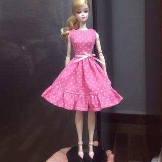 Váy Barbie bi hồng của Thuỷ Mộc