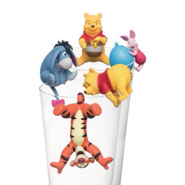น่ารักเกินบรรยาย โมเดลเกาะแก้ว Winnie the Pooh ลิขสิทธิ์แท้