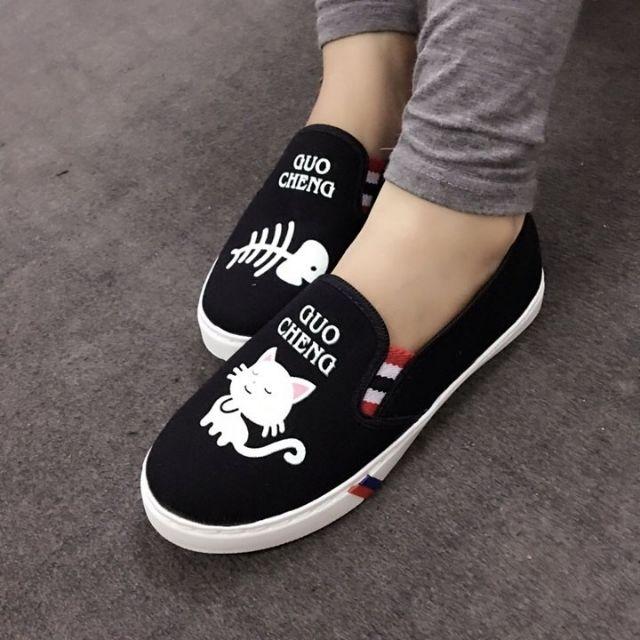 Giày slip on cá yêu mèo